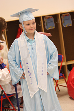 Graduation Caps and Gowns for Kindergarten DayCare and Preschool ...